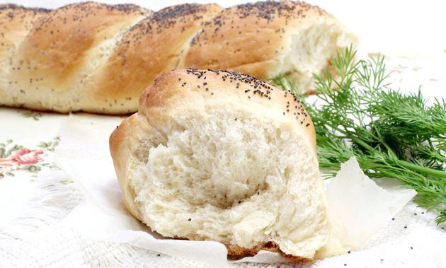 Білий хліб з маком