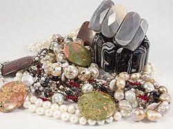 Біжутерія з натуральних каменів від