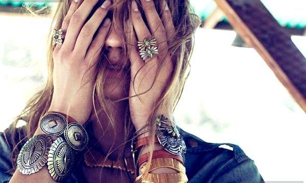 Браслети-Каффи: модні моделі (фото)