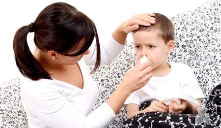 Чим вилікувати нежить дитині: поради лікаря і народні засоби