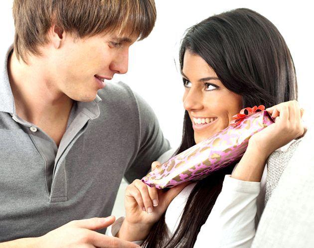 Що подарувати подрузі на 8 березня?