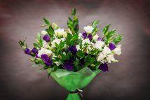 Квіти - ідеальний подарунок, букети від мосцветторга - оптимальне рішення
