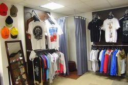 Де купувати якісний одяг?
