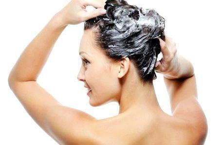 Декапирование волосся: позбавляємося від небажаного кольору