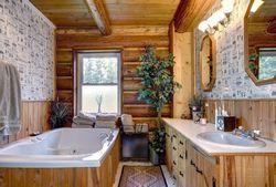 Екрани для ванн - практичне рішення інтер'єру ванної кімнати