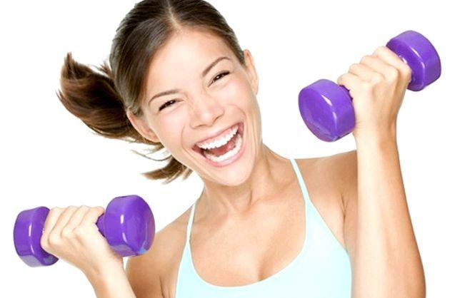 Фітнес з гантелями для жінок - вправи для схуднення