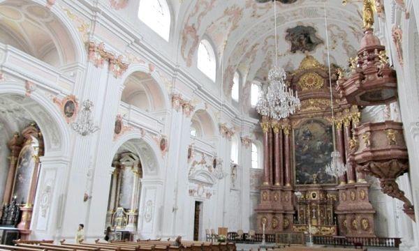 Церква єзуїтів
