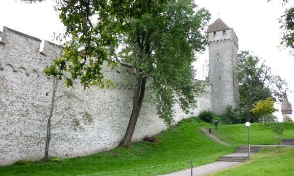 Фортечна стіна Музеггмауер