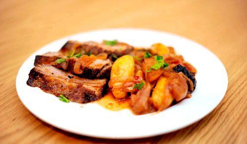 Яловичина з чорносливом в мультиварки: святковий рецепт з фото