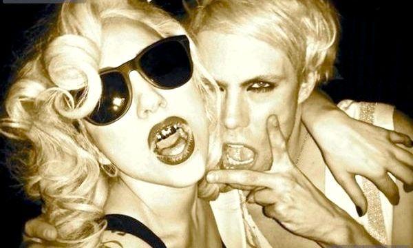 Гріллз на знаменитостей - прикраси для зубів