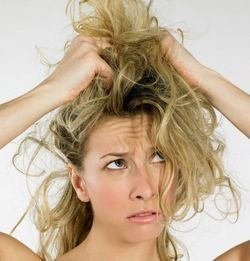 Як доглядати за сухим волоссям