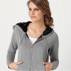 Як вибрати стильний жіночий светр