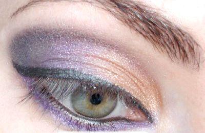 макіяж очей у золотисто-фіолетовій гамі