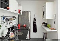 Як обставити будинок меблями: робоча зона