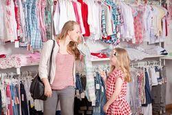 Як відкрити магазин одягу: пошук товару