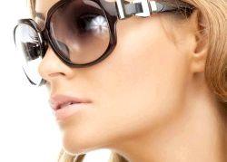 Як правильно робити макіяж під окуляри?