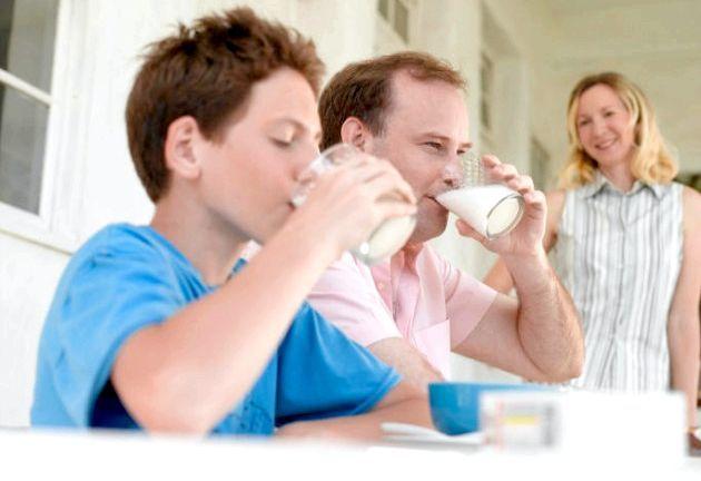 Як правильно пити молоко