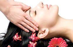 Як правильно виконувати масаж голови від випадіння волосся