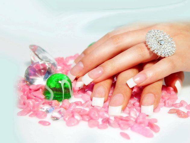Як доглядати за нігтями рук в домашніх умовах