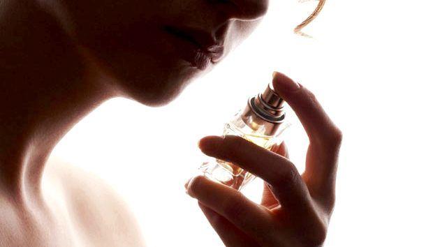 Як вибирати і наносити парфум: поради та рекомендації