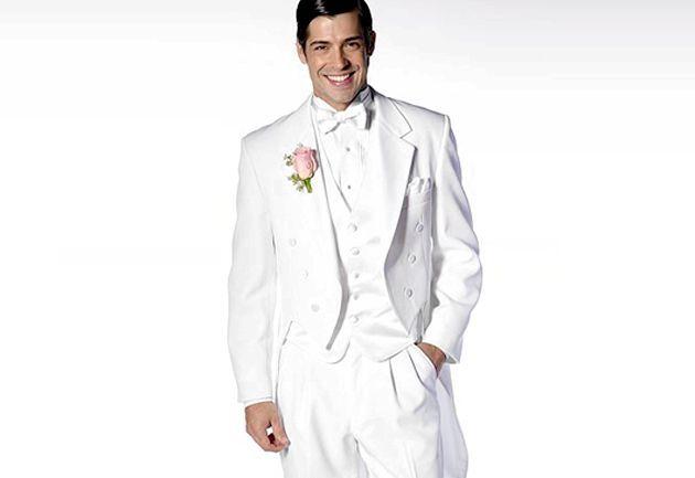 Як вібрато фрак чоловікові на весілля