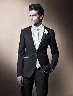 Як вибрати весільний костюм нареченому?