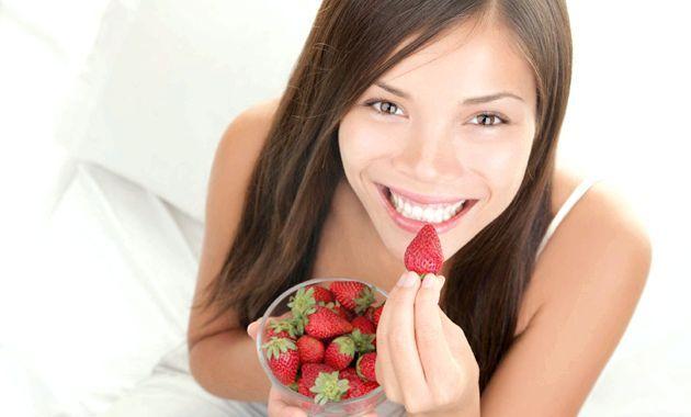 Полуниця - еліксир жіночого здоров'я, краси і любові!