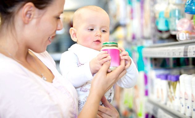 Косметика для новонароджених - що стане в нагоді вашому малюкові