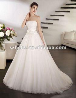 Красиві сукні можуть бути дешевими