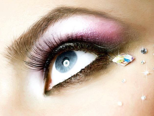 Креативний макіяж очей - покрокова інструкція виконання (фото)