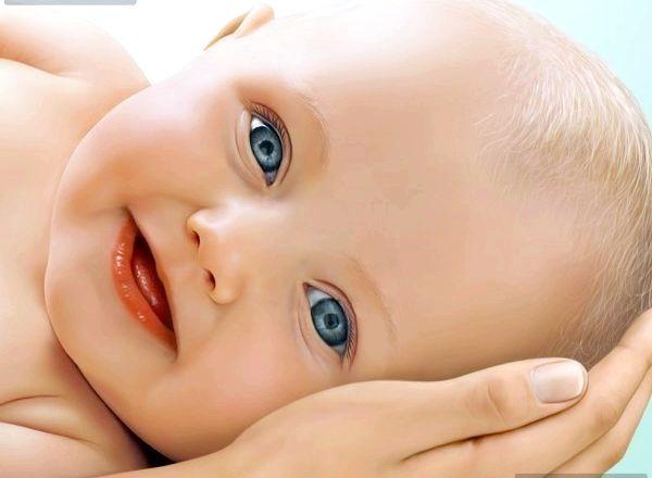 Лізуть зуби у дитини: норма, відхилення, допомога