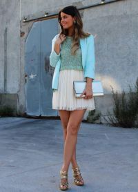 М'ятний колір в одязі