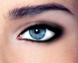 Макіяж smoky eyes - модна тенденція всіх часів і народів