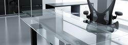 Меблі зі скла - сучасно і екологічно