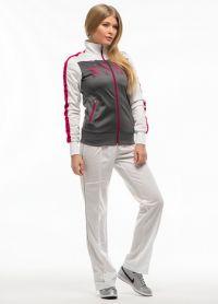 Модні спортивні костюми для жінок
