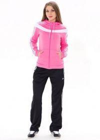Модні зимові спортивні костюми