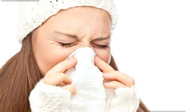 Морська вода для носа: користь і рецепти