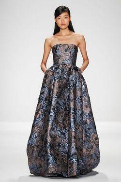 Наймодніші вечірні сукні для жінок