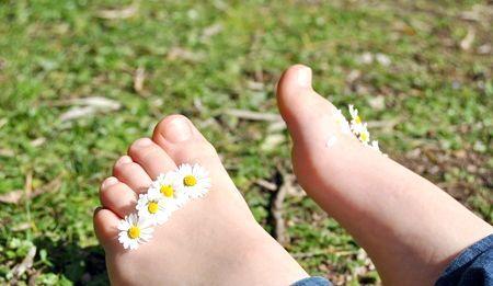 Натоптиші на пальцях ніг: як позбутися від них?