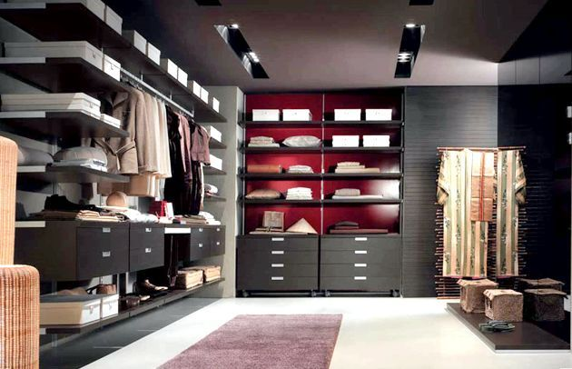 Наведіть порядок у шафі і переглянете свій гардероб