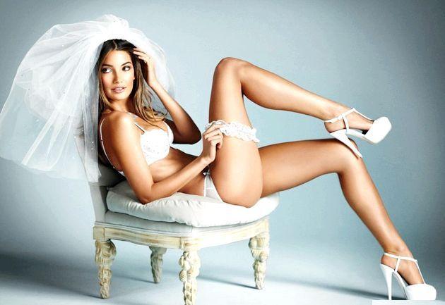 Нижня білизна для нареченої на весілля - як вібрато?