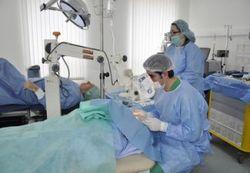 Пересадка кісткового мозку для жінок і чоловіків