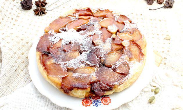 Пиріг-перевертиш з яблуками