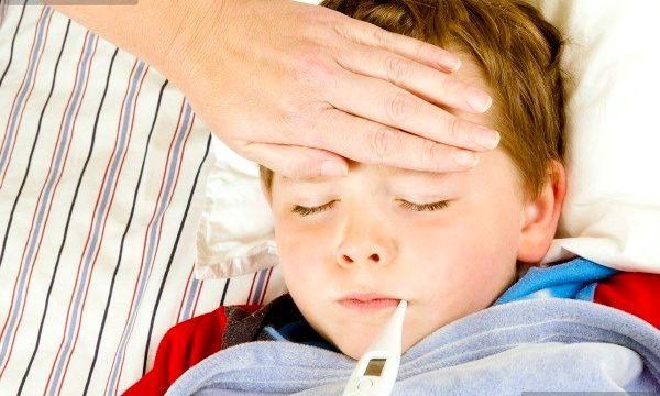 Чому після щеплення у дитини температура?