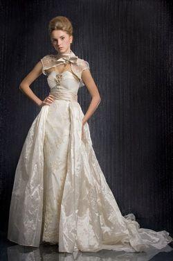 Правила підбору вечірньої сукні на весілля