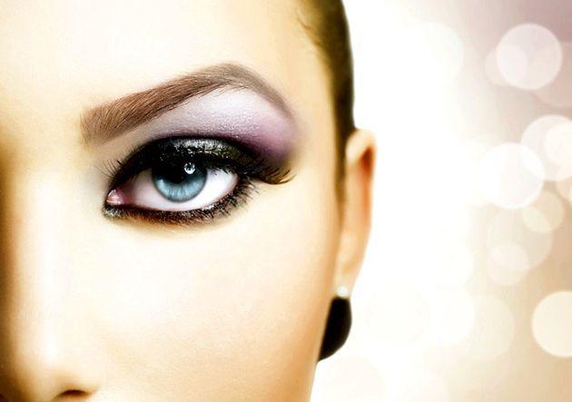 Простий макіяж очей у вертикальній техніці (фото)