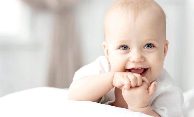 Розвиток дитини: четвертий місяць життя