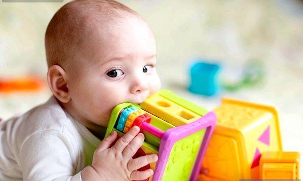 Режим дня дитини в 8 місяців