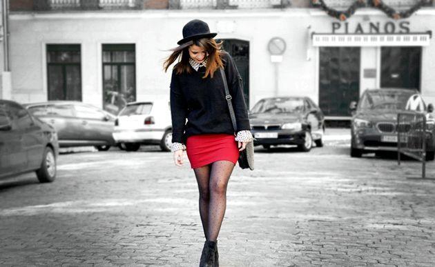 З чим одягнути червону спідницю