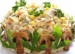 Салат з куркою і грибами